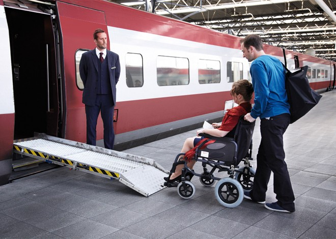 Boarding for passengers with reduced mobility